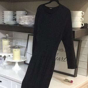 J McLaughlin large black 3/4 sleeve dress.